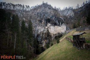chateau predjama slovénie